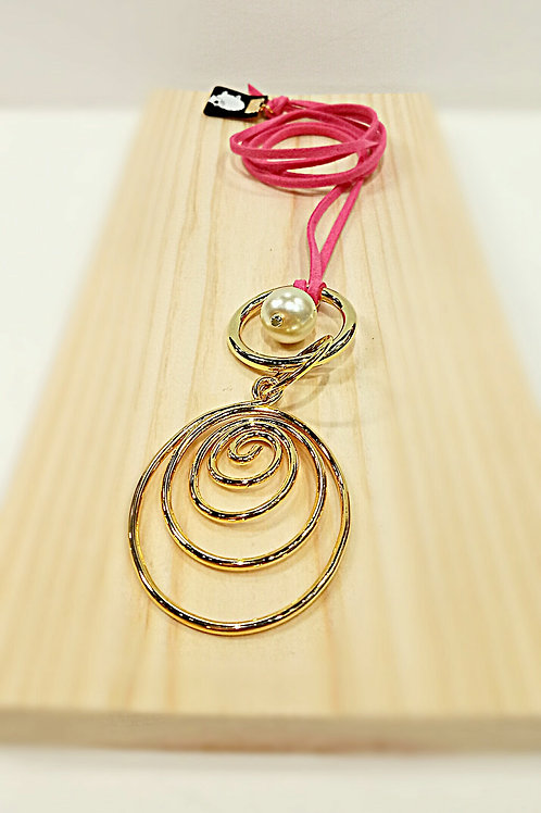 Pink suede big plated gold loop necklace