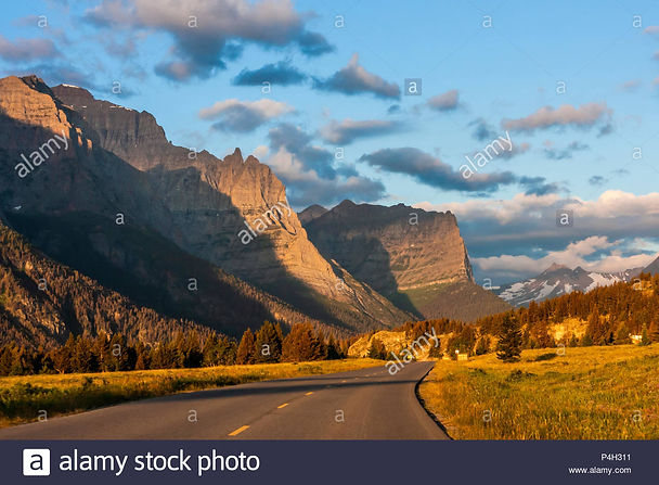 sunrise-lighting-the-mountains-along-goi