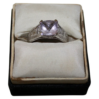 14 Carat Whitegold Ring with Rose Quartz