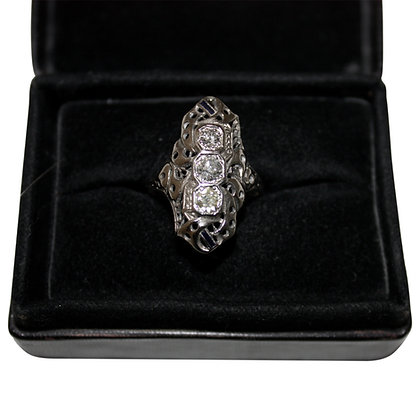 14 Carat Whitegold Ring wit 3 Diamonds and Sapphir