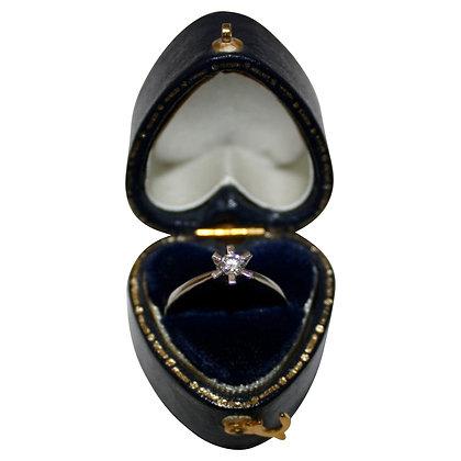 14 Karat Hvidguldsring med Diamant