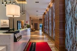 Hampton Inn SF Guest Lobby
