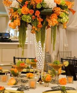 Elegant Gold Vase