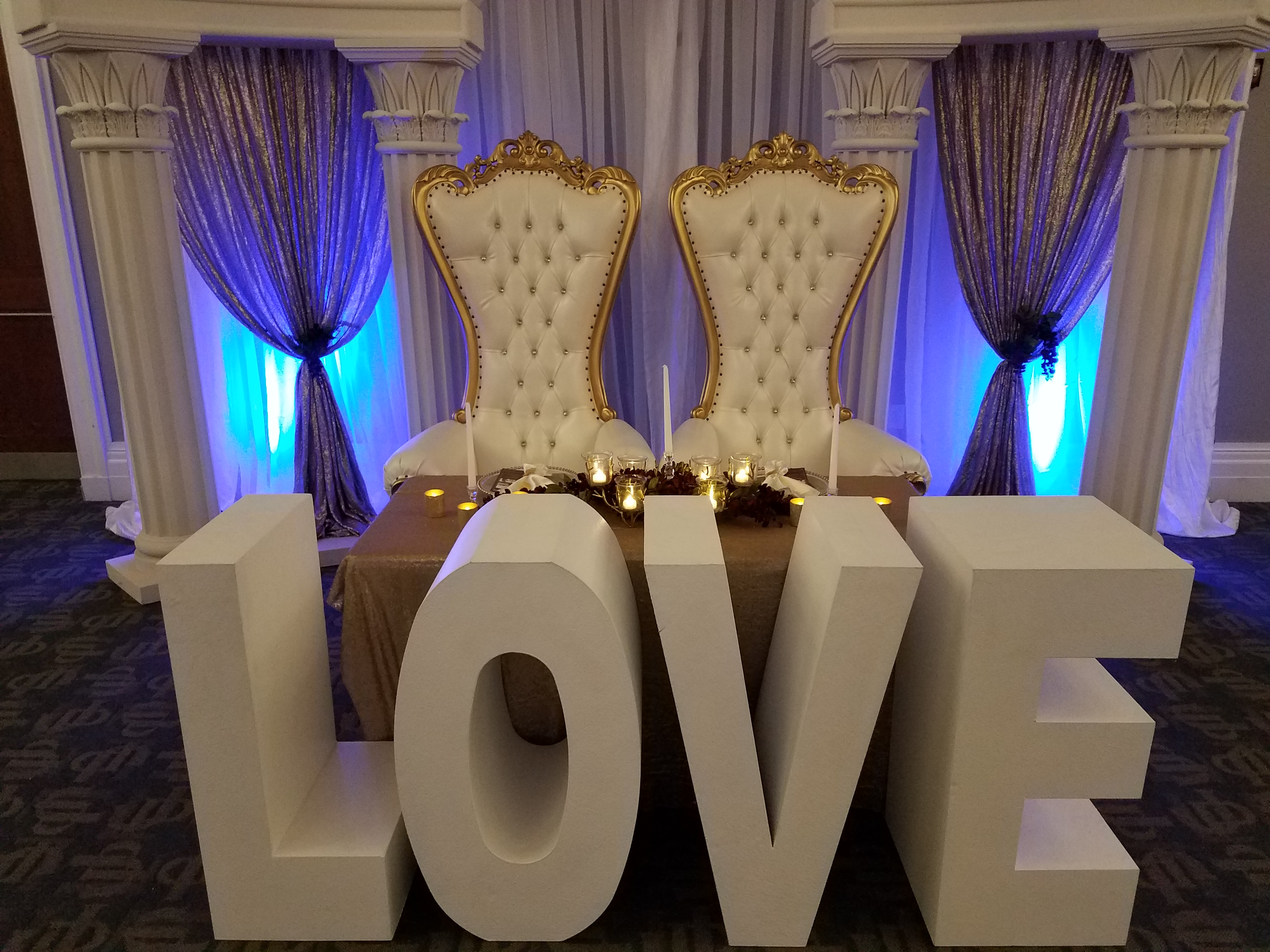 "​""LOVE"" Table"