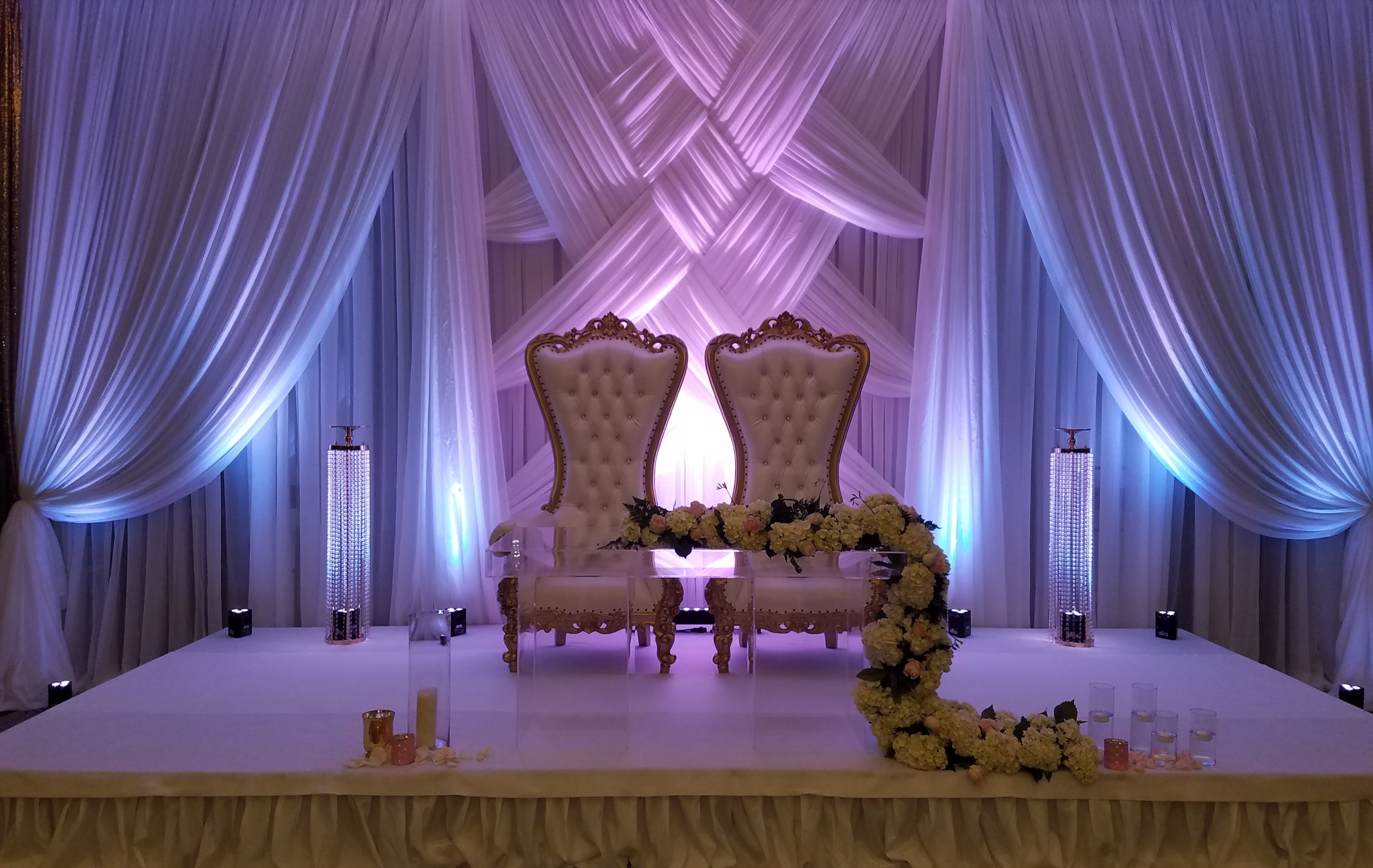 Sofia - White on Gold Throne Chairs