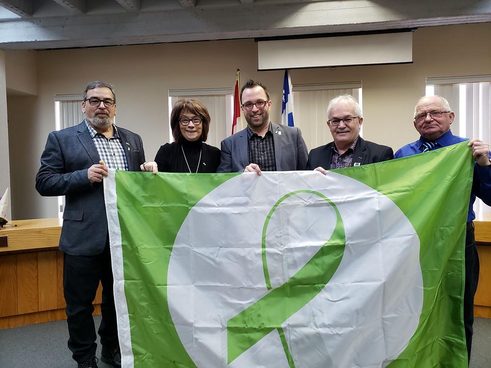 Les maires de la MRC de La Côte-de-Gaspé, fiers ambassadeurs de la persévérance scolaire