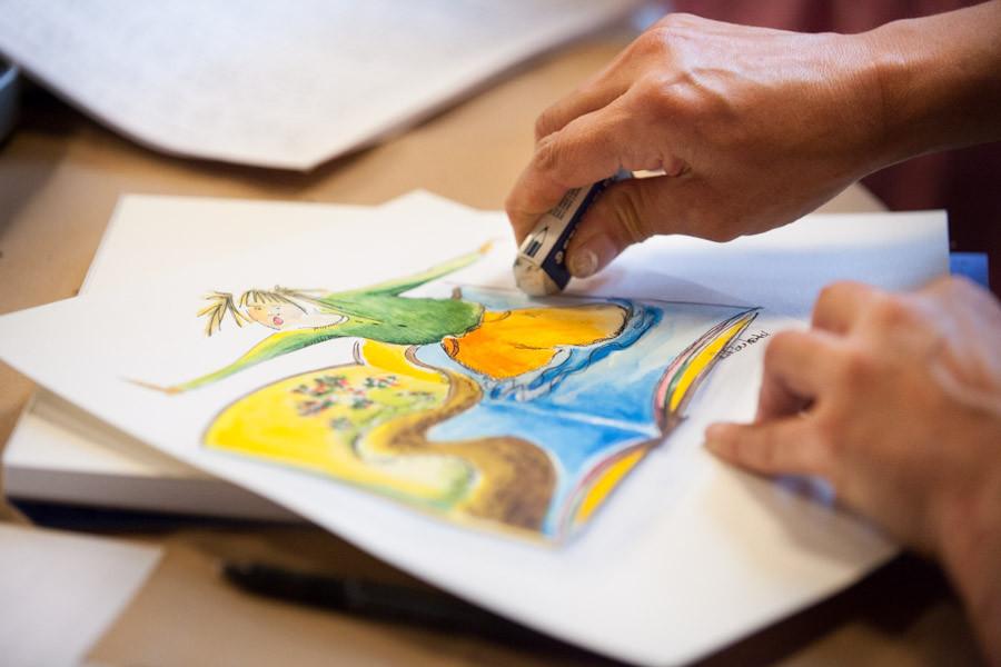 Activité de création mariant littérature et arts visuels, crédit photo : Roger St-Laurent