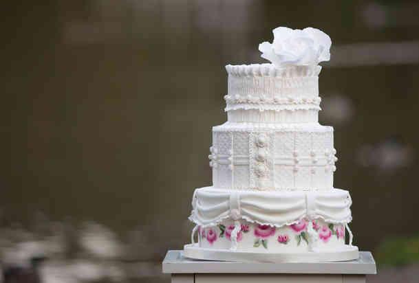 Brylluspakge med håndmalet roser