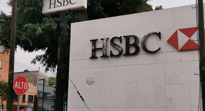 HSBC te reembolsará hasta 300 pesos en pagos de servicios si abres una cuenta de débito con ellos