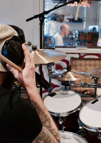 Trommeinnspilling i Vakuum Studio