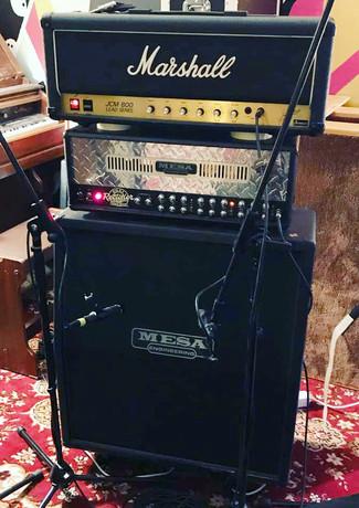 Gitaramp for innspilling av rock og metall i Vakuum Studio