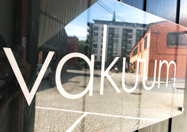 Vakuum Studio ytterdør