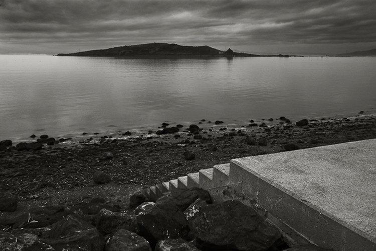 brooks-island+stairs1a_tritn1+blur_10x6.