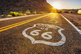Street-sign-on-historic-route-66-in-the-