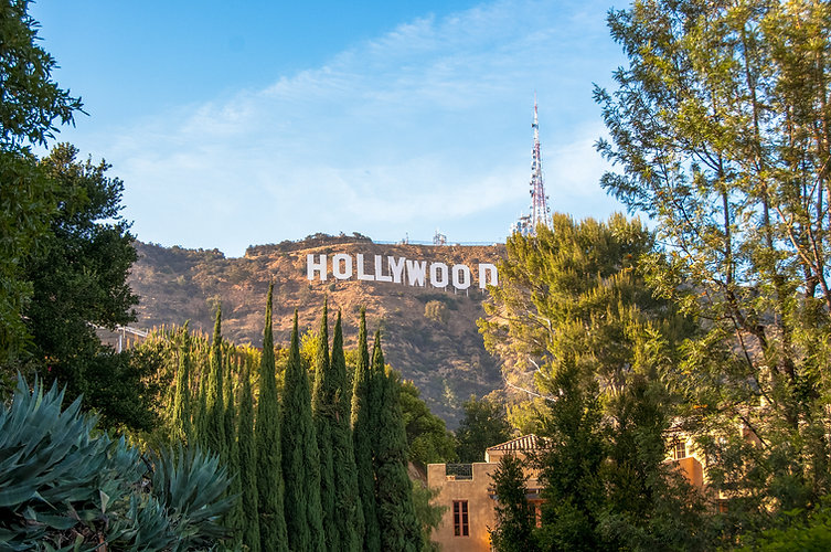 Famous-landmark-Hollywood-Sign-in-Los-An