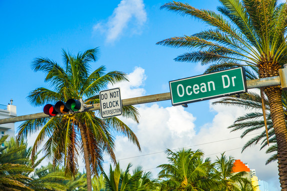 Ocean-Drive-street-sign-in-the-South-of-