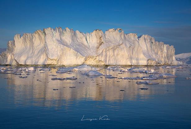 Eisberge im Spiegelbild
