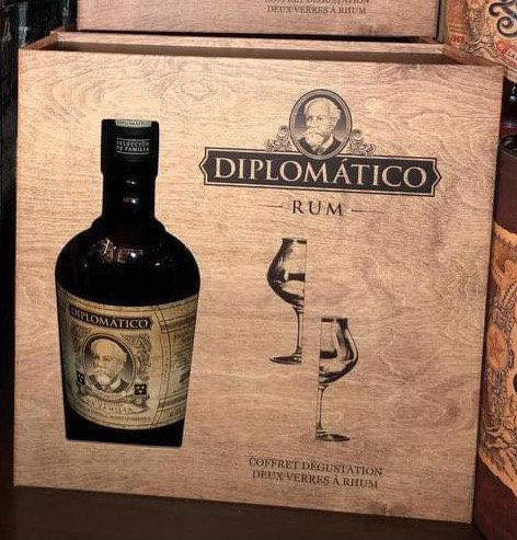 Coffret + 2 verres Diplomatico sélección de la familia