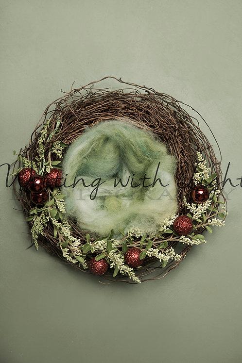 Green Christmas wreath 2