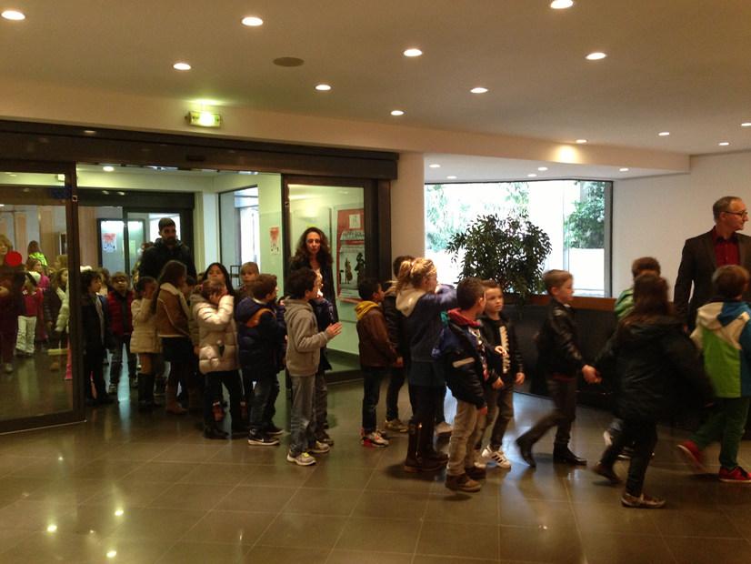 Maki Fest 2 (дети в холле).jpg