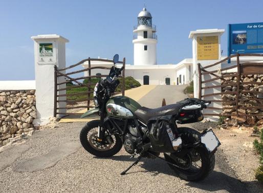 6 Razones para alquilar una Moto en Menorca y no un Coche