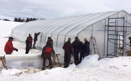 La neige réchauffe le cœur du jardinier