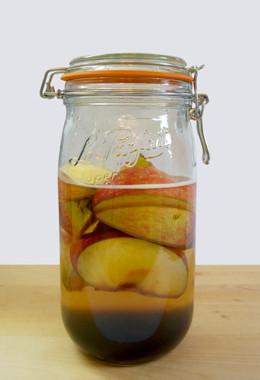 りんご黒糖酒