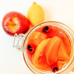 りんごとレモンのコンポート(チェリーシロップ漬け)