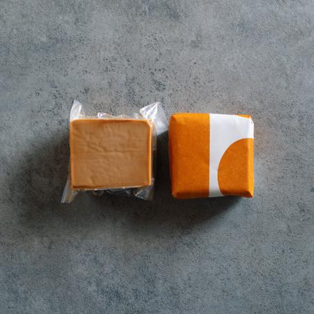 ドライブスルーでチーズを受け取ろう!
