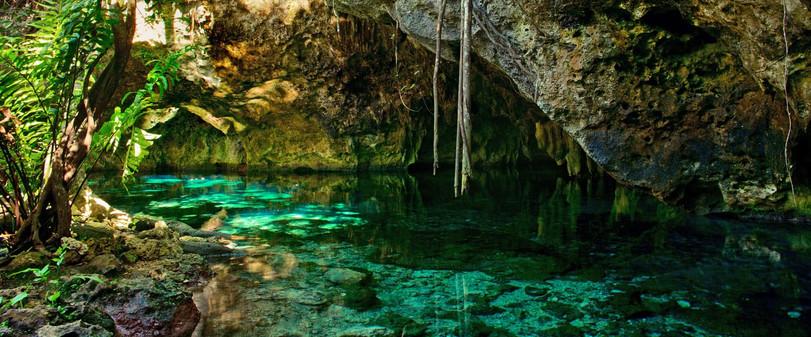gran-cenote-mexico-shutterstock_52401561