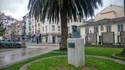 Ribadeo Escultura Jardin