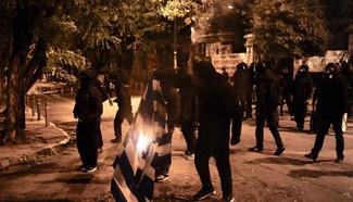 Ξέφραγο αμπέλι η χώρα: Αλβανοί & Αφγανοί έκαψαν χθες την Αθήνα – Στον «αέρα» η εσωτερική ασφάλει