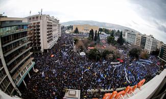 Κυβέρνηση Αδίστακτων: Αντιεξουσιαστές Χτυπούσαν Διαδηλωτές Στην Πατησίων – Δεν Έστειλαν ΜΑΤ Παρά Τις