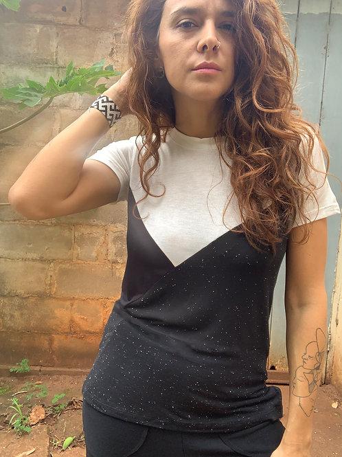 Camiseta Recortes Preta MM30