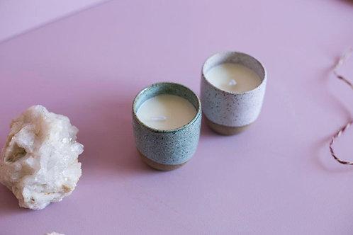 Vela Ambiente Verbana  - Litsea em copo de cerâmica MM90