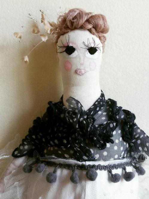Boneca Nora MM78