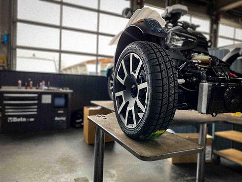 Can-Am werkplaats Vos Oss Motoren-1.jpg