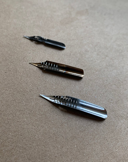 Flexible nib with ink reserve compartment