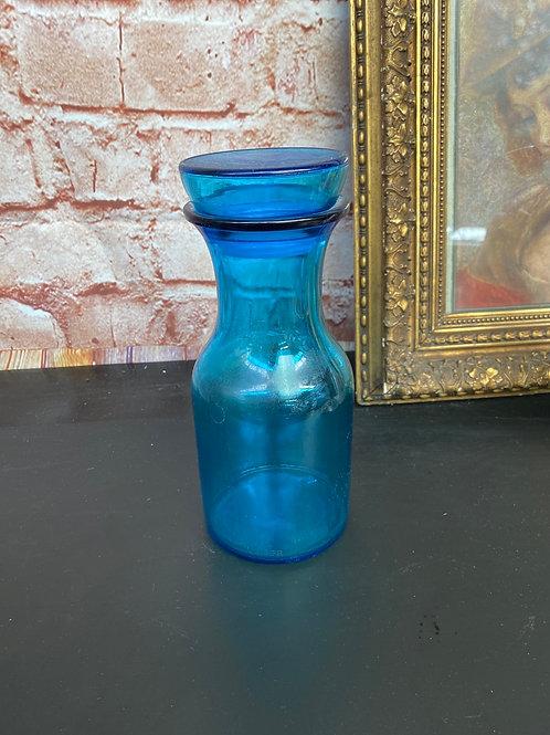 Pot en verre bleu