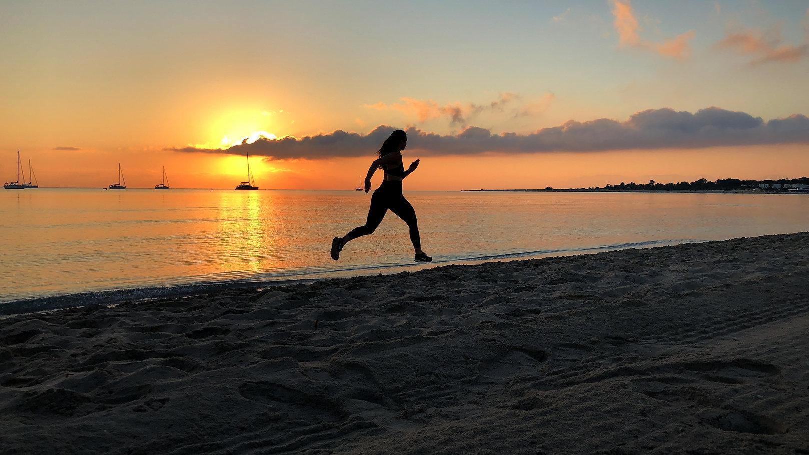 cj-creaction-fitness-run-beach.jpg