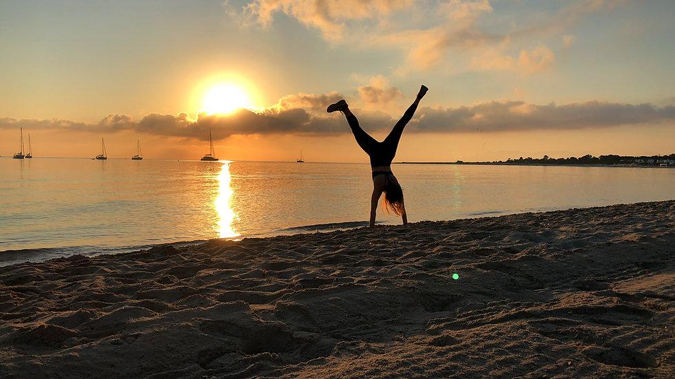 cj-creaction-fitness-handstand-beach.jpg
