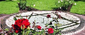 Noverosa Rosenbrunnen.jpg