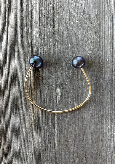 2 pearl cuff