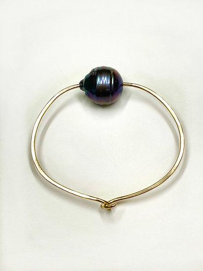Black pearl bangle