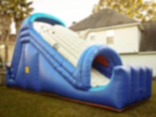 Huge inflatable bounce house slide