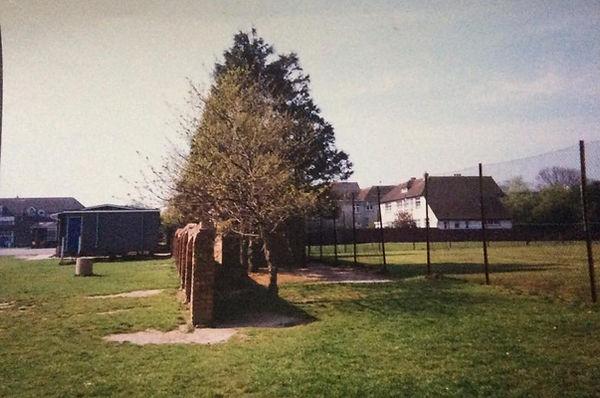 1990 BBC hut & tennis courts Phil Hardin