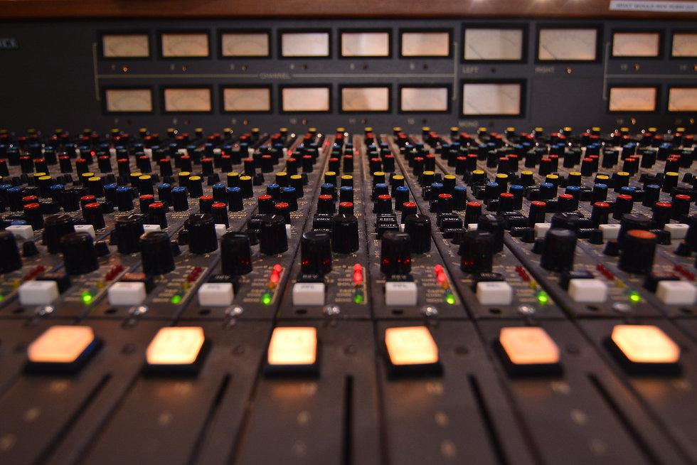 SG Studios MCI 636 Console