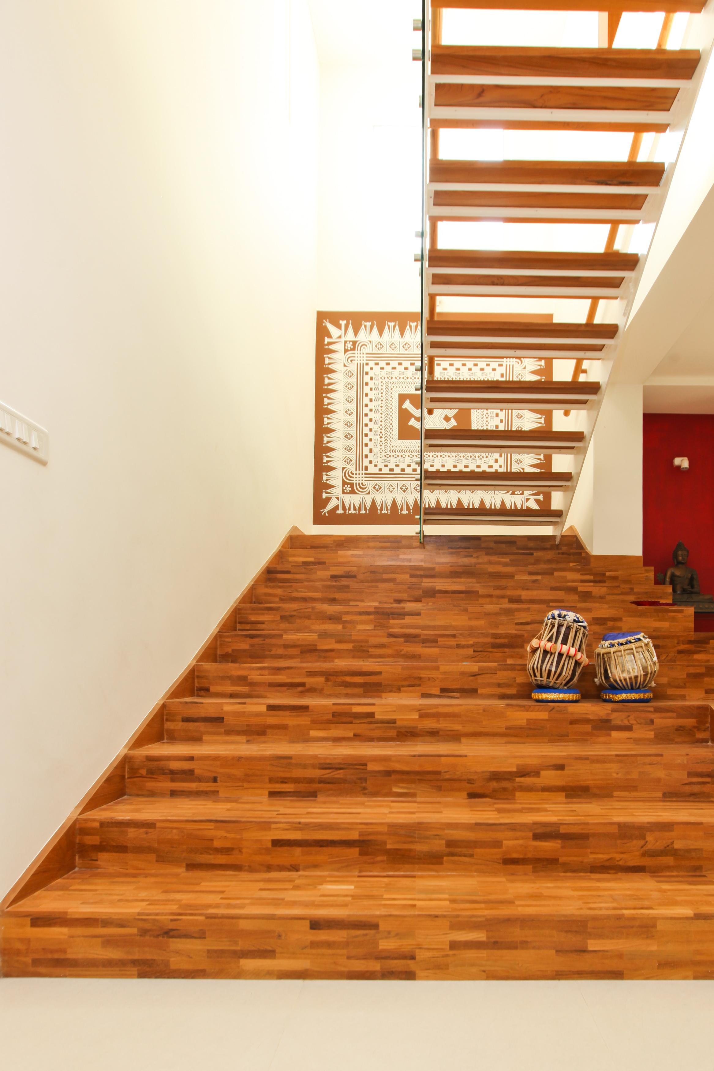 Staircase volume