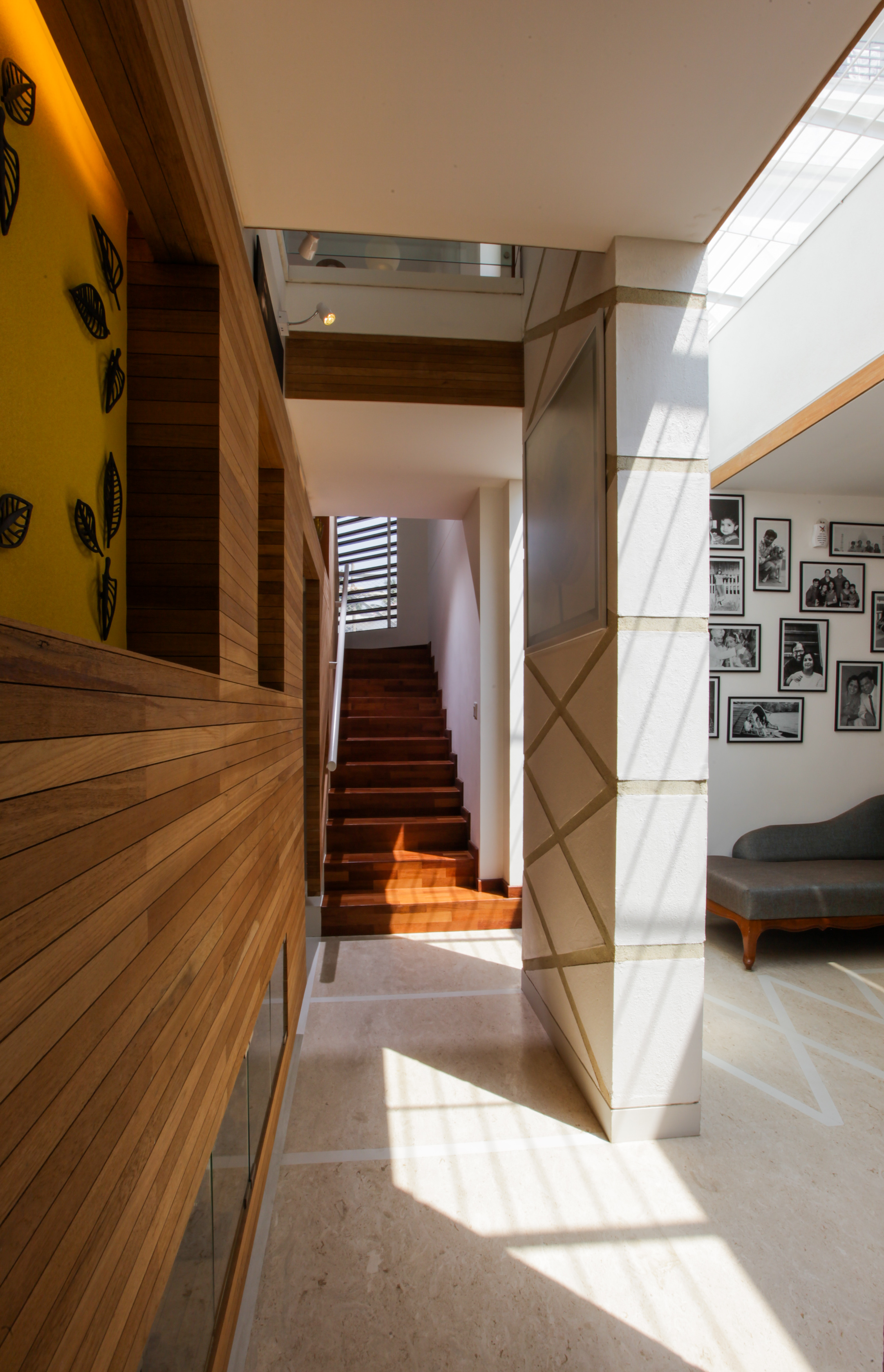 The corridor leading to the staircase
