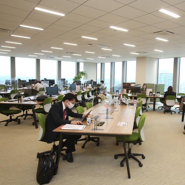 東京本社仕事風景